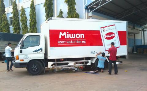 Dán Decal Quảng Cáo Trên Xe Tải Cho Công ty Miwon Việt Nam