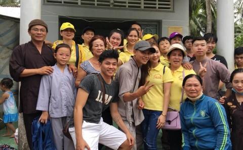 Phát Quà Từ Thiện Cho Bà Con Nghèo Tại Vũng Liêm - Vĩnh Long Tháng 08/2019
