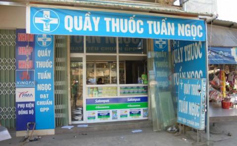 Dán Decal Quảng Cáo Tủ Thuốc Nhà Thuốc Tây Salonpas Tại Đồng Nai